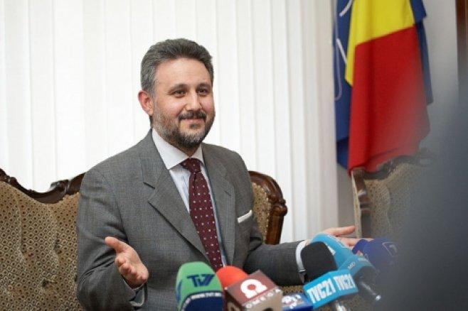 Ministerul de externe al României potolește scandalul de la Ambasada din Chișinău