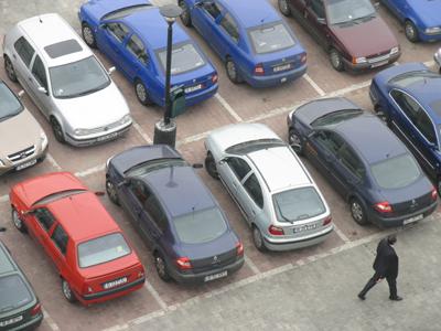 Controversatul contract privind parcările din Chişinău trebuie modificat