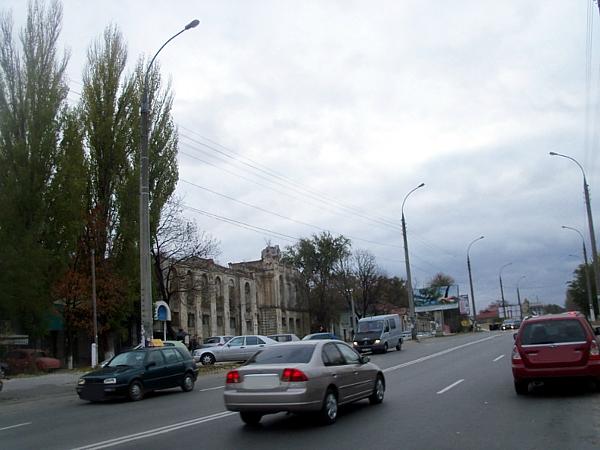 Primăria Chişinău va planta copaci pe str. Alecsandri şi va amenaja locuri de parcare