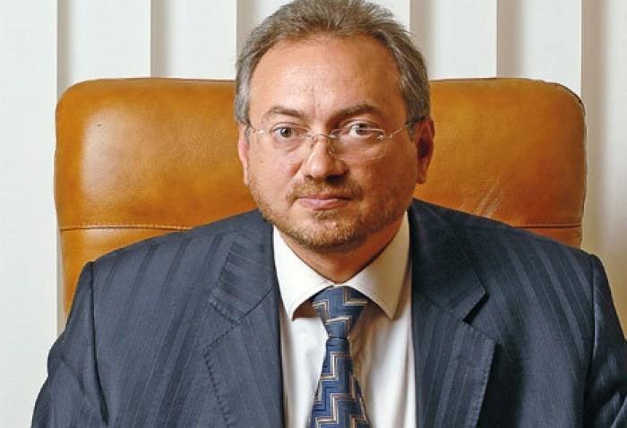 Vicespicher: Ședinţele Comisiei pentru economie s-au transformat în conferinţe de presă