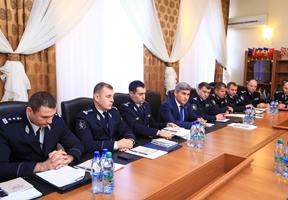 В инспекторатах полиции Молдовы появятся листовки о правах задержанных